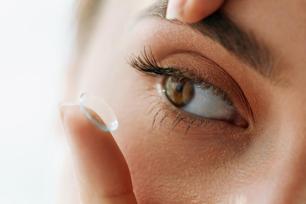 Contact lens fitting Perth at eye C optometrist South Perth